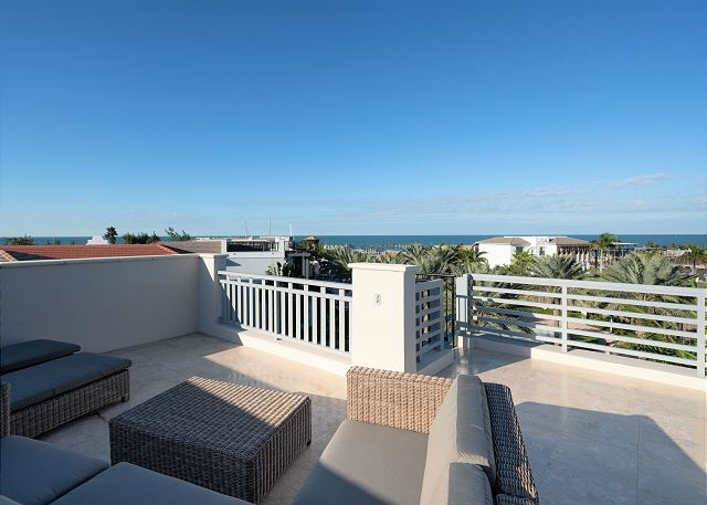 Residence #3829 - Rooftop Deck