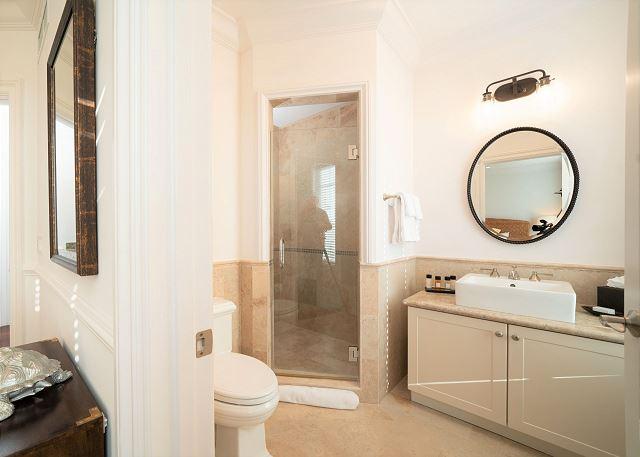 Residence #3829 - Upper Level En Suite Guest Bathroom