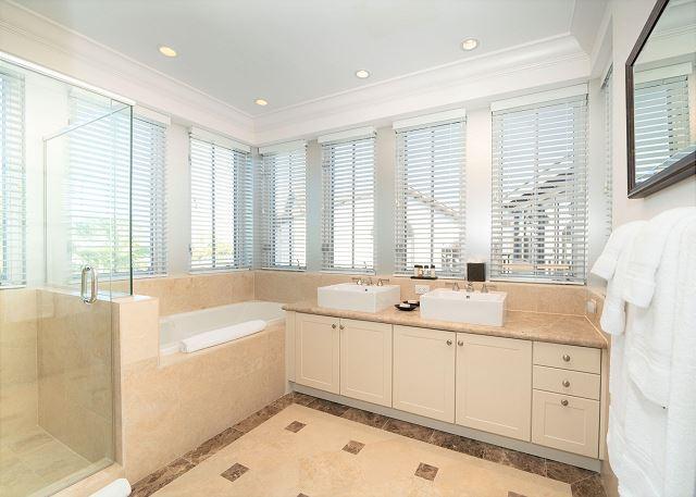 Residence #3829 - En Suite Master Bathroom