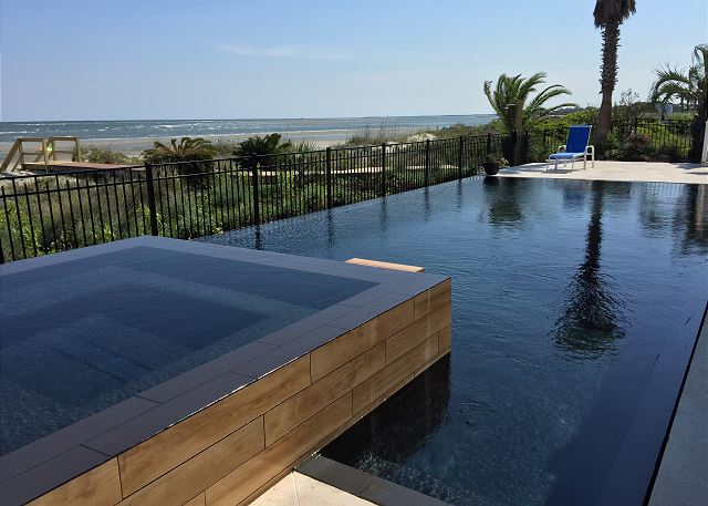 202 Ocean Blvd | The Orca (Private Heatable Pool and Spa)