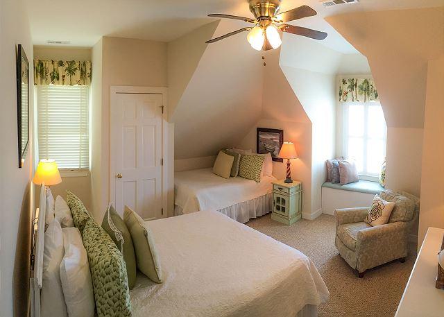 Bedroom 6, 1 Queen & 1 Double