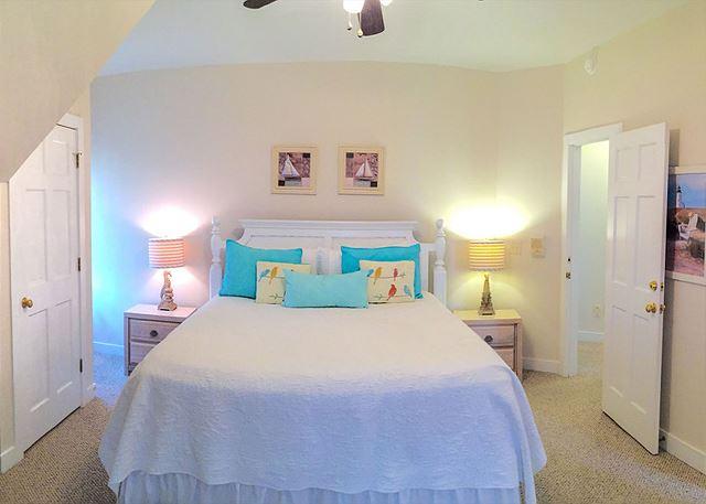 Bedroom 7, Master, 1 King, En Suite