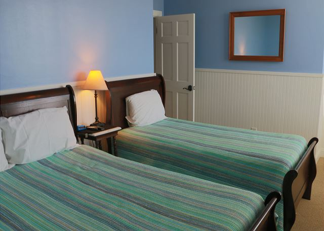 2nd fl Guest Bedroom, Double, Twin