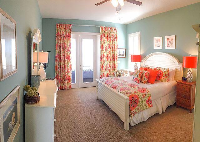Master Bedroom with King en Suite, First Floor