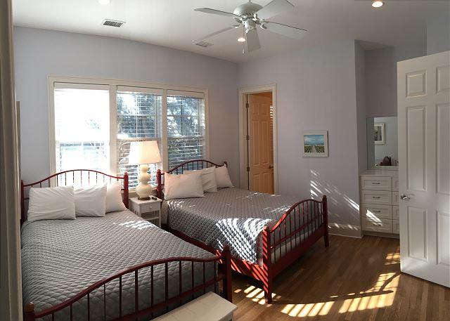 2nd fl Guest Bedroom, 2 Queens en suite