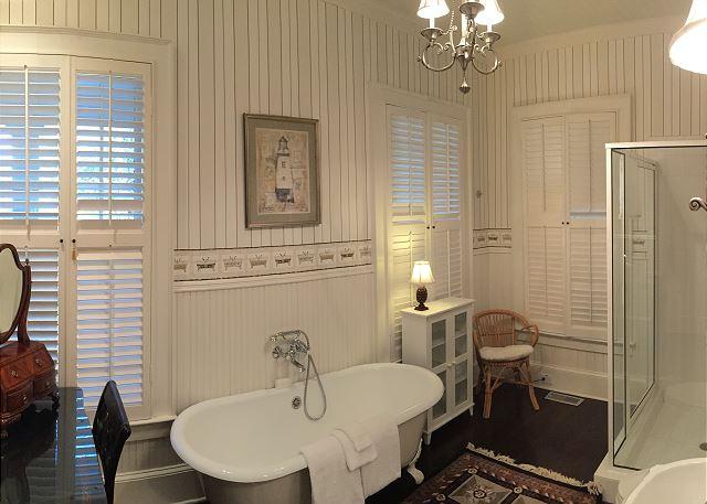 Ladies Master Bath