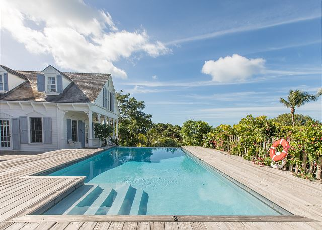 Restored 1800s Estate Home & Two Cottages, Private Infinity Pool, Ocean Views