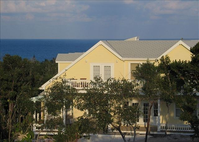 Fashionable Ocean-view Compound, Walk To Beach And Town, Golf Cart Included