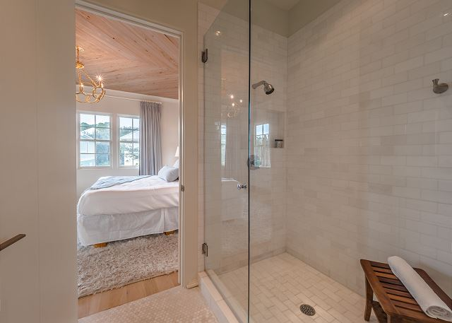2nd Floor Master King Suite Bathroom