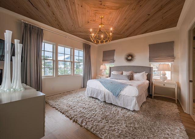 2nd Floor Master King Suite