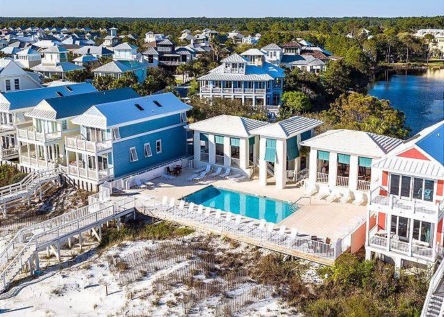 Beach Club Pool