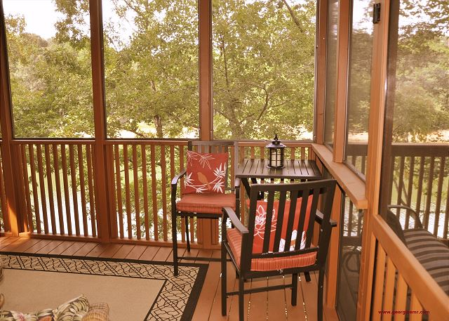 Screen Porch|Vacation Rental Cabin