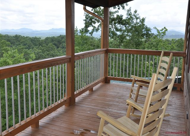 Blue View Mountain in Murphy, NC Pet Friendly, Magnificent Views