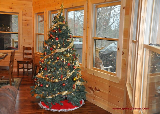 "Christmas is around the corner! We welcome you and your family at ""Livintha Dream Lodge"" You have a bless holidays and enjoy your stay."