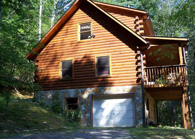Skip's Bearly Rustic Cabin