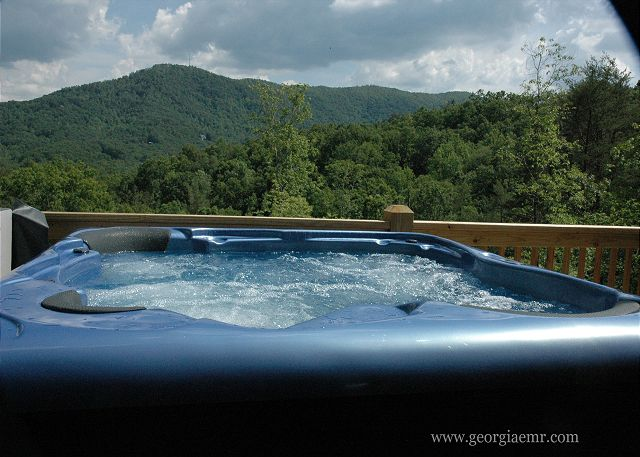 Hot Tub and Mountain Views