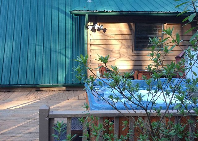Enjoy the warm water in the Hot Tub and relax with the view of the mountains in this private cabin