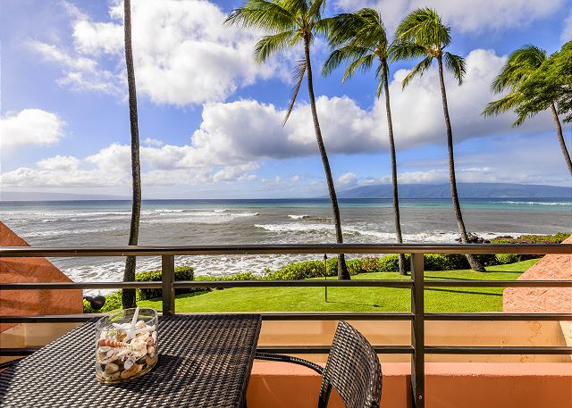 Kuleana 614 Oceanfront $195up best view, steps to water