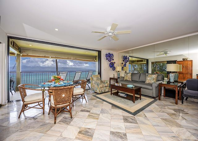Noelani 401-Luxurious OceanFront corner 1BR