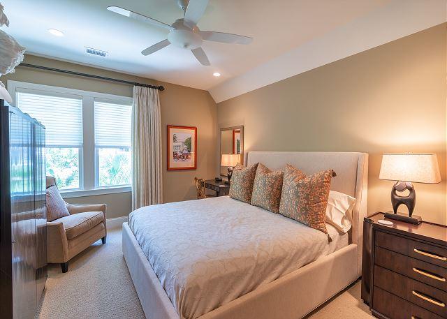 3rd king bedroom