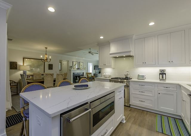Completely renovated kitchen!