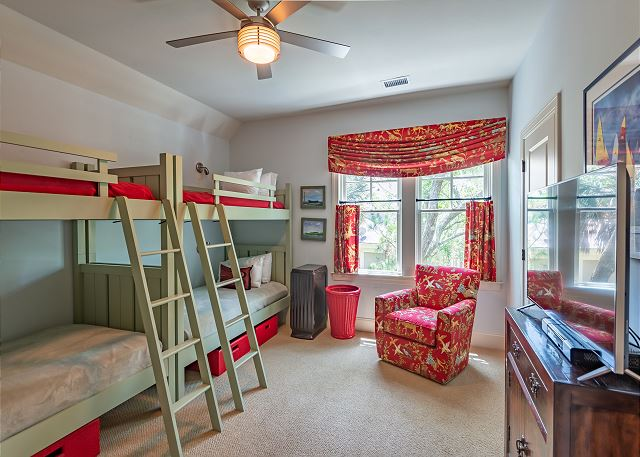 bunk room with four twin beds