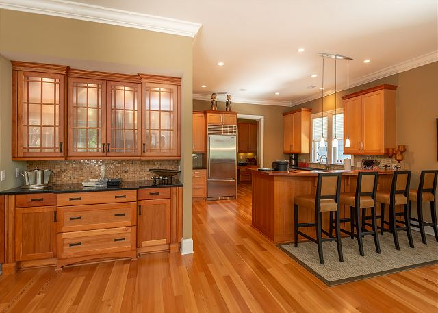 Great kitchen with lots of storage and counter space