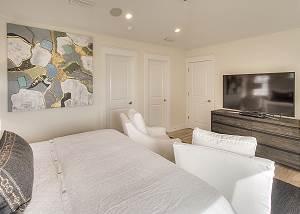Large HDTV and en suite bath