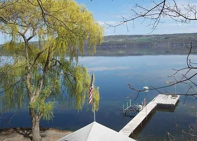 Luxury vacation rentals right on the lake in the Finger Lakes NY