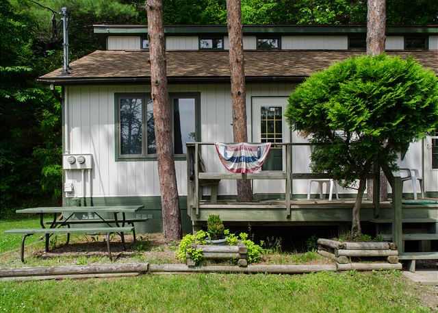 Keuka Pines Bungalow B