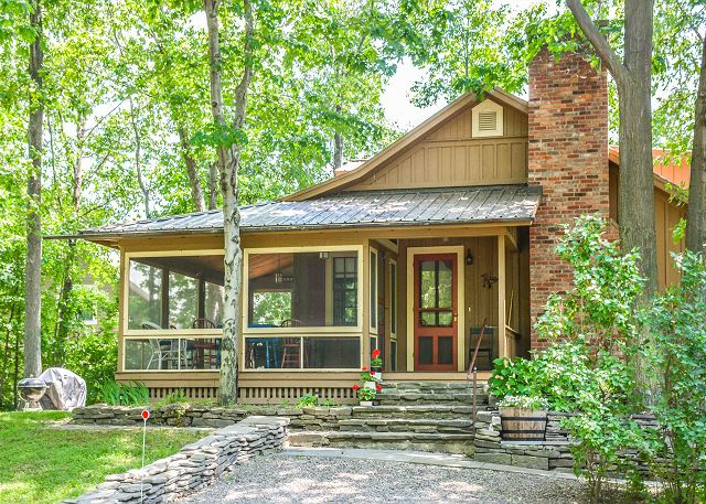 whispering pines cabin finger lakes properties rh fingerlakespremierproperties com keuka lake cottage rentals pet friendly keuka lake cottage rentals labor day