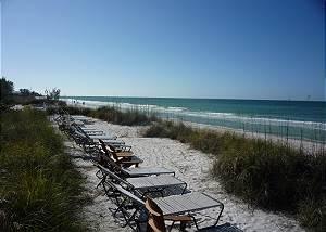 Island Time - The Bradenton Beach Club right across the street from the Gulf!
