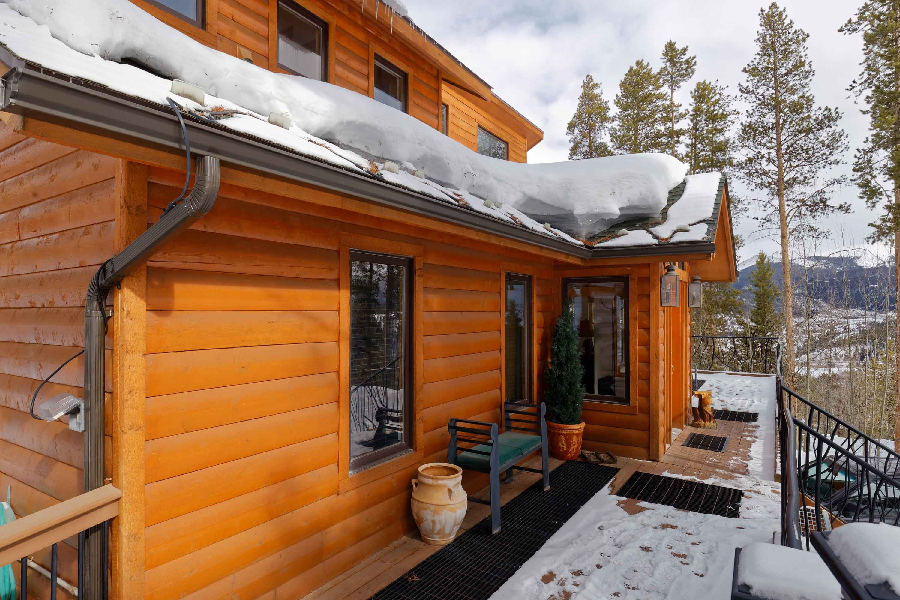 s rentals upstairs hideout the cabins rental honeymoon cabin at log bedroom mountain alternate img rocky denver of view