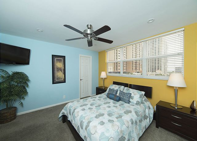 Bright Queen Bedroom!