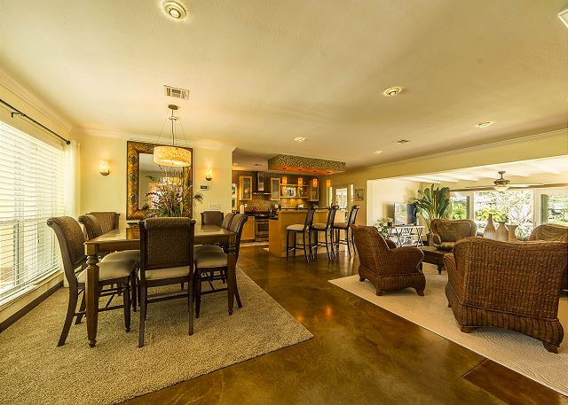 Spacious Floridian Living and Entertaining!