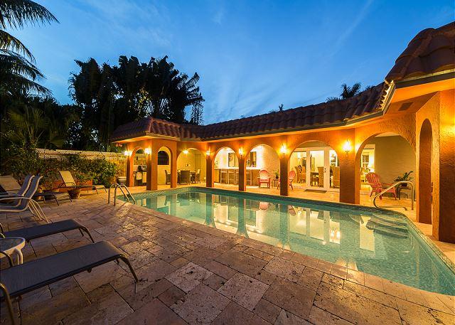 Shiny and Bright Heated Pool!