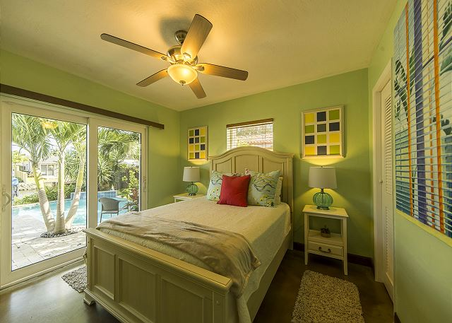 Queen Guest Bedroom with Pool Access!