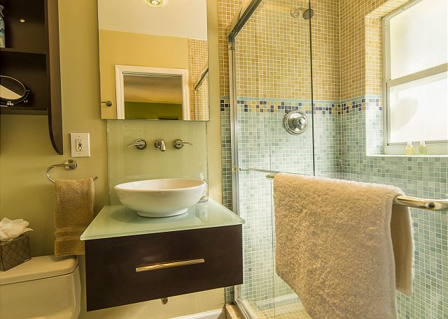 Master Bath with Walk in Shower!