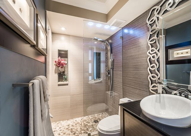 Fantastic ultra modern bathroom with spa shower!