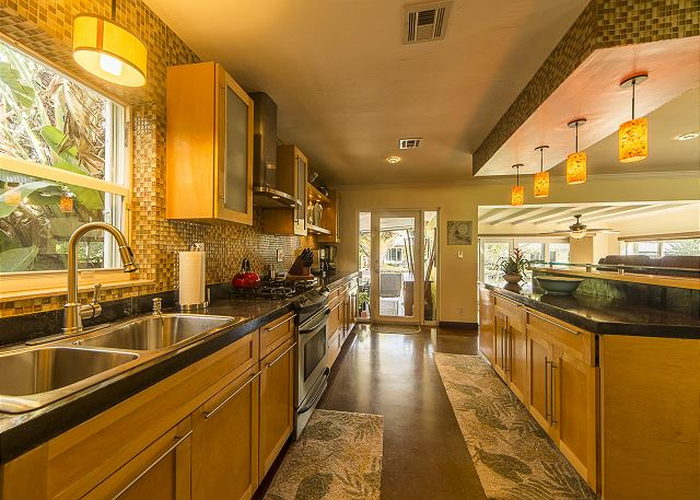 Fully Stocked Gourmet Kitchen with Gas Range!
