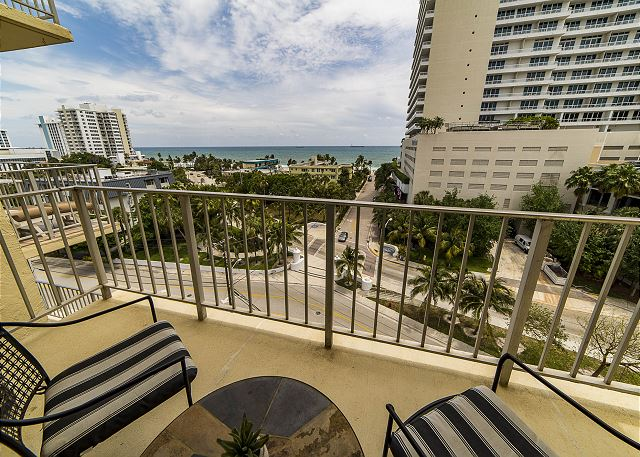 One Block from Fort Lauderdale Beach!