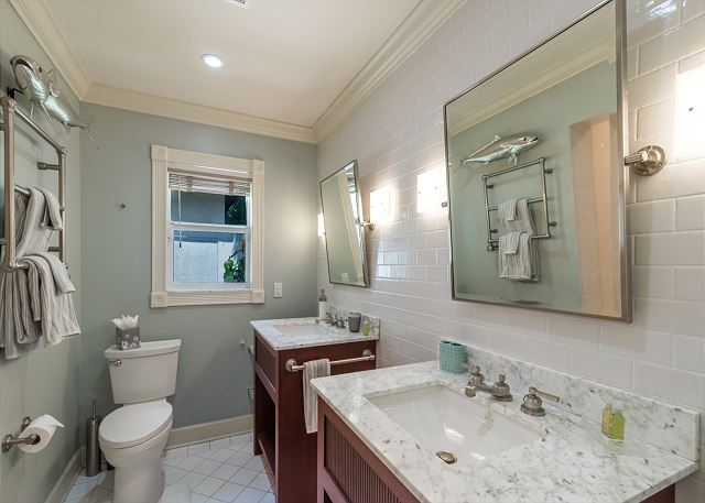 Master Bath with Double Sinks!