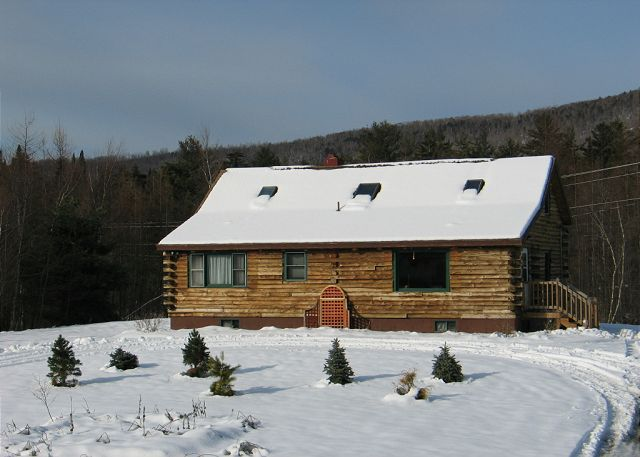 Located in the heart of NH's White Mountains, this Twin Mountain log home is an outdoors enthusiasts and family get-away vacation rental not to be missed.