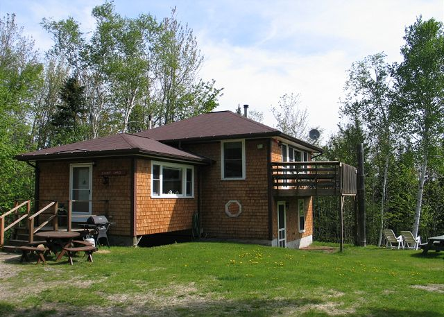 This 3 bedroom, 2 bath camp awaits you and yours! Hikers, mountain climbers, golfers, scenic 'road less traveled' seekers, and all general enthusiasts of Summer will enjoy it here.