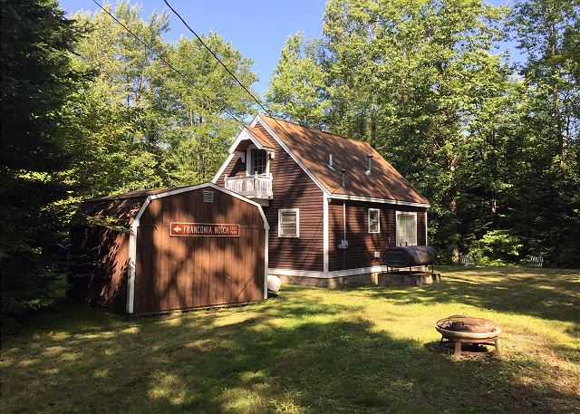 The perfect couple & small family hideaway yet close to all NH's White Mountain Attractions.