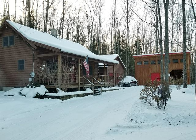 Located just within 10 minutes of Cannon, 15 from Bretton Woods, and all but on the local snowmobile trail system, this cabin is ideal for winter enjoyment.  Real Log Cabin Living awaits you here!!