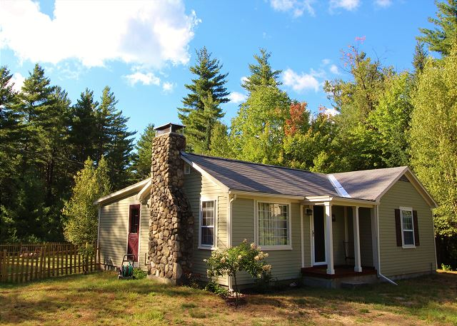 You'll just love this little white mountains retreat; privately tucked away with all the comforts of home!