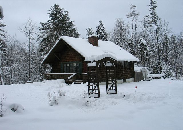 Draped in it's Winter coat, the Franconia Holiday Chalet is just minutes from Cannon Mountain!