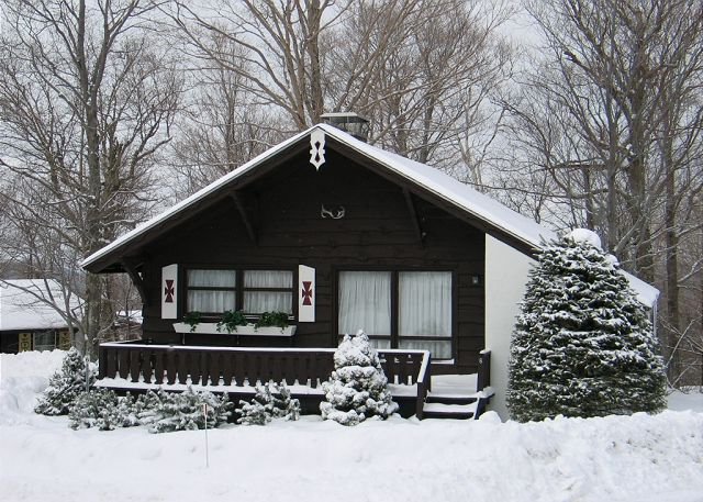 The Ridgecut Family Chalet, located within the slope-side Mittersill Village is perfect for a family's Winter fun in Franconia Notch State Park.