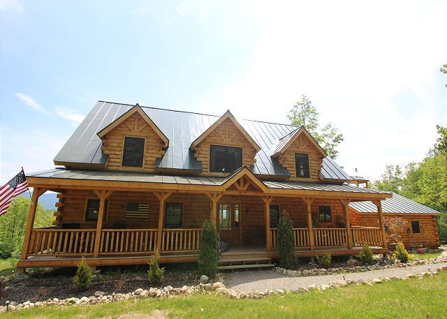 Grand in location, style & accommodations... The Sleepy Bear Lodge was built to satisfy, as seen in Log Home Living Magazine.  Call 800-247-5536 to make your reservation today!